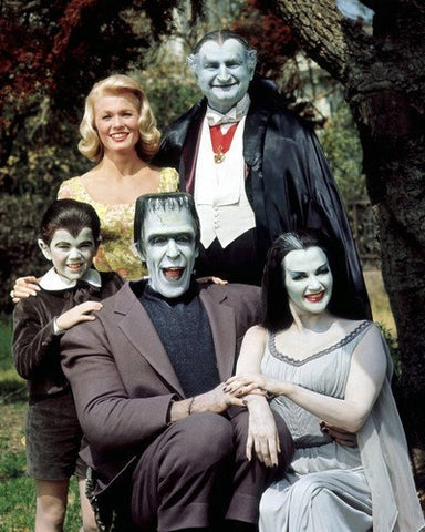 The Munsters Fred Gwynn Yvonne DeCarlo Al Lewis Butch Patrick 8x10 Photograph
