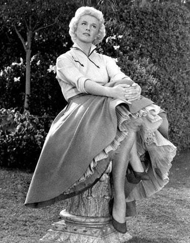 Doris Day Big Skirt B/W 8x10 Photograph