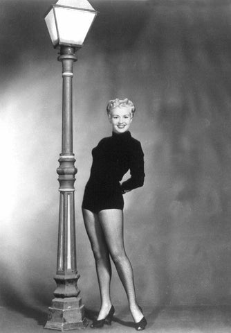 Betty Grable Lamp Post B/W 8x10 Photograph