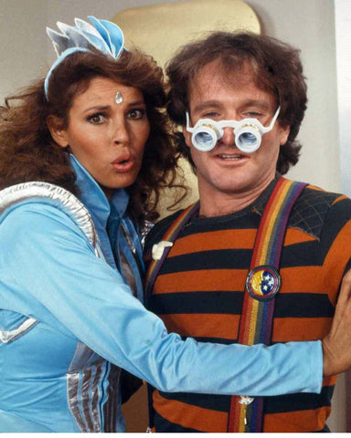 Robin Williams and Raquel Welch Color 8x10 Photograph