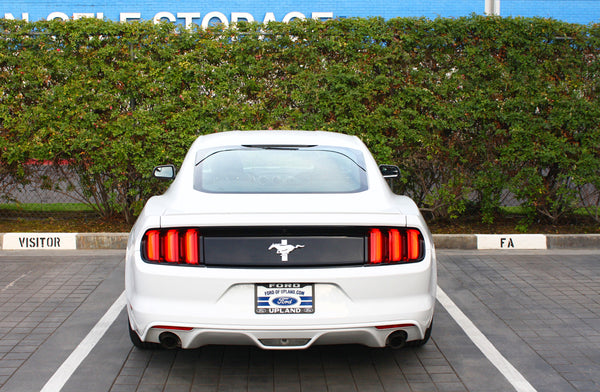 Ford Mustang V6 Blu Car Rental