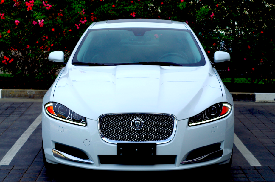 Jaguar Xf Blu Car Rental