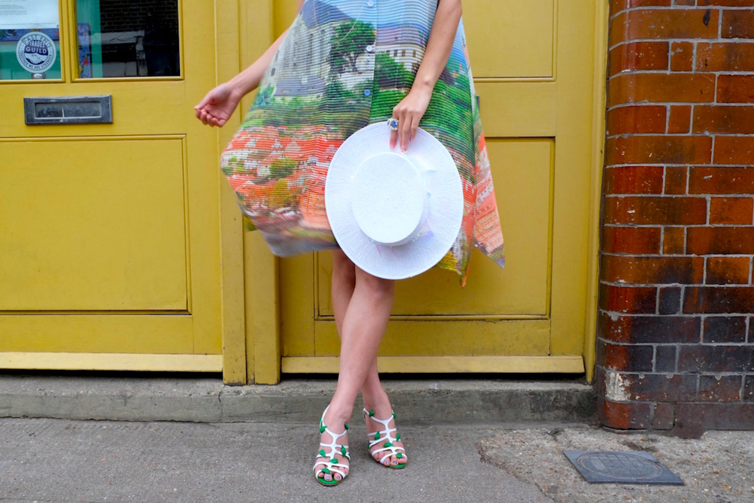 Lizzie-McQuade-luxury-hats-Marie-Antoinettes-chic-french-countryside-look-white-paper-boater-2-1p87