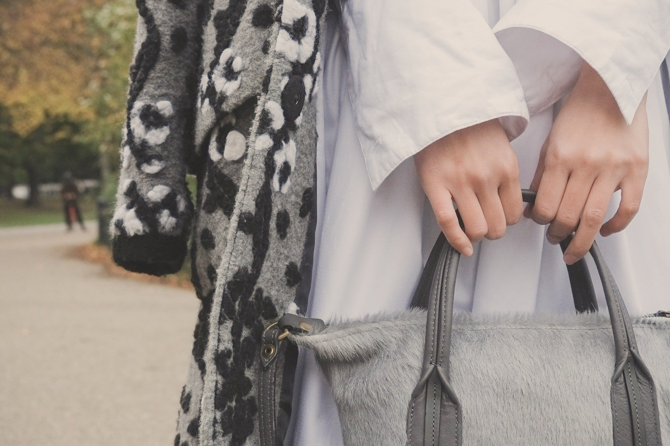 Victoria Park London featuring Jas MB London wings traveller bag and YUAN gray coat 18 | On Slowness