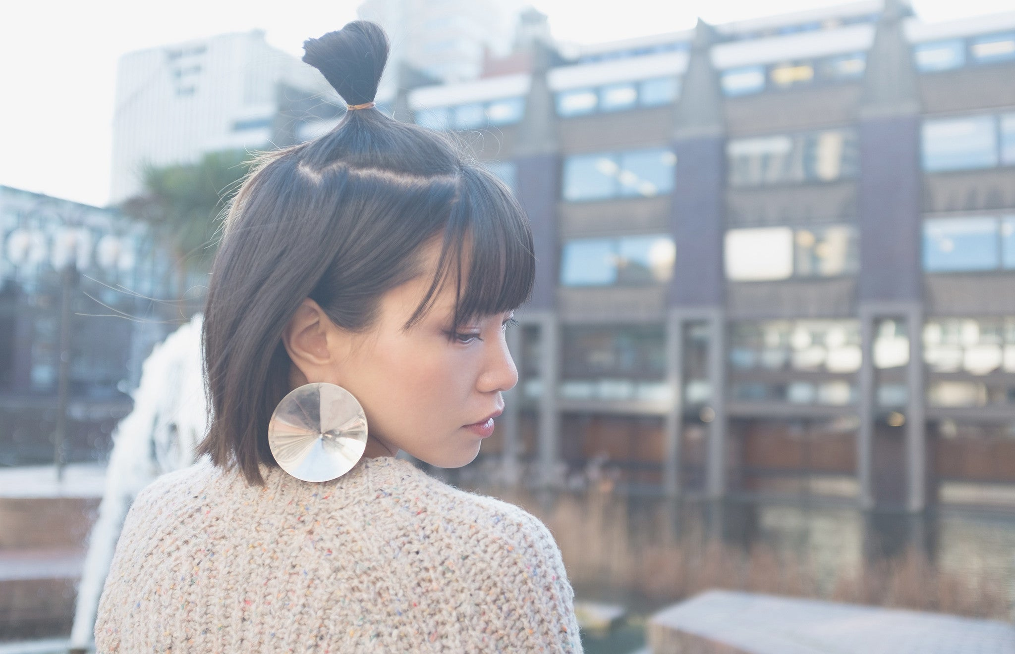 Asymmetrical earring by Lion Studio | Starry night - New collection by designer YUAN | On Slowness blog