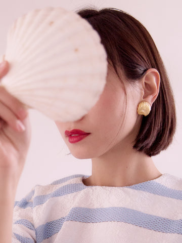 Golden shell (Vintage Clip-on Earrings)