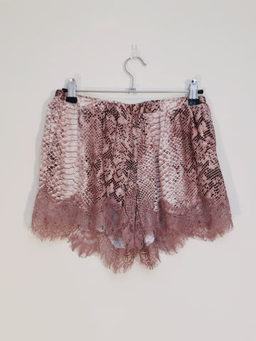 Gold Hawk silk short pink leopard