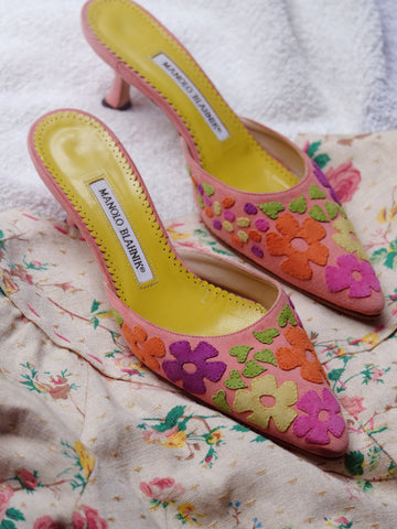 vintage Manolo Blahnik pink mules | on slowness