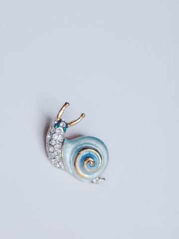 The snail brooch (vintage)