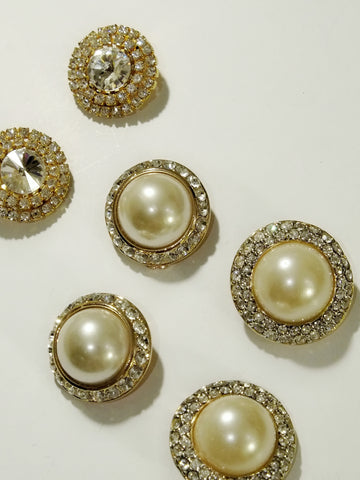 The classic faux pearls look (Vintage Clip-on Earrings)