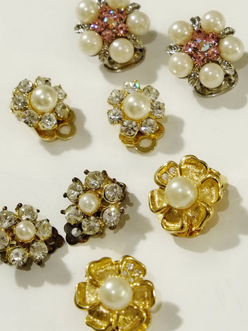 The adorable & shining flowers (Vintage Clip-on Earrings)
