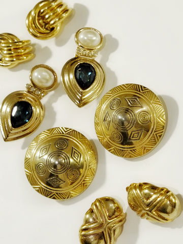 The classic golden collection (Vintage Clip-on Earrings)
