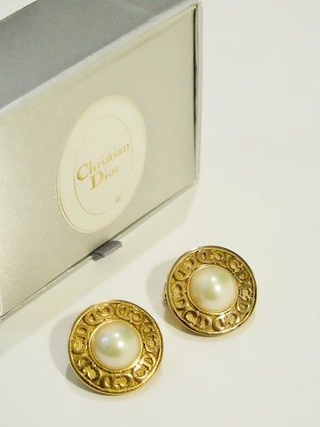 Christian Dior faux pearls round clip on earrings (vintage)