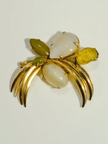 vintage Christian Dior 1965 brooch | on slowness