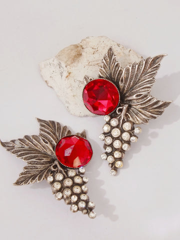 Classy grape fruits with leaves clip on earrings (vintage)