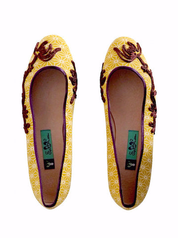 Suzhou Cobblers womens hand embroidered yellow flowers pattern flat shoes | On Slowness Fashion