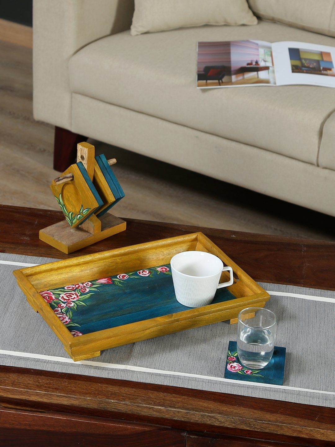 Handcrafted Mangowood Tray With Coaster Set (Green Pink)