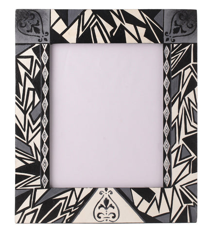Hand-painted Monochrome Classic Photoframe