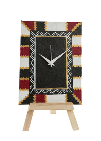 Hand-painted Black & White Warli Twist Table Clock