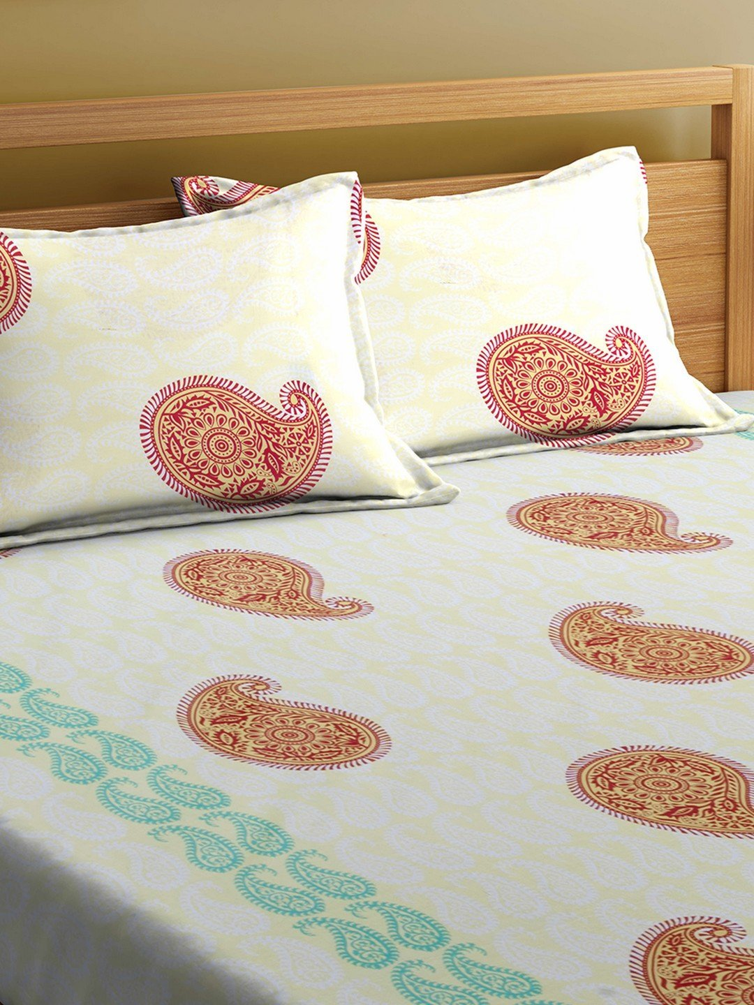 Mafatlal Cream Cotton 144 TC Double Bed Sheet With Pillow Covers