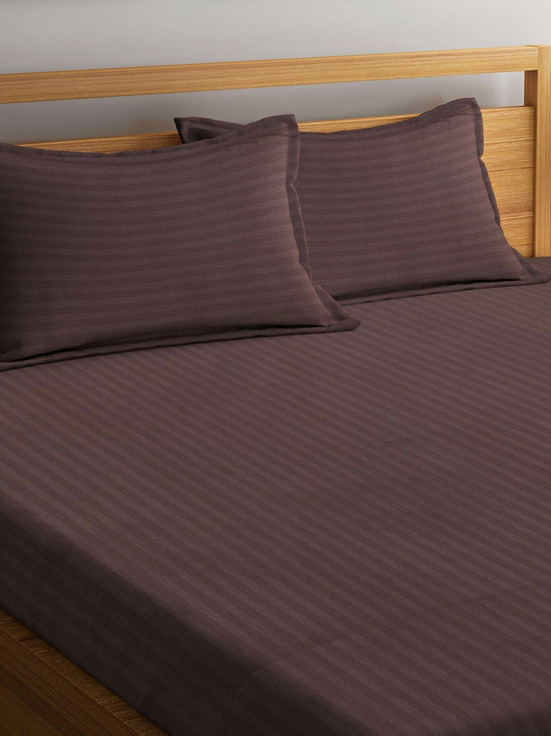 mafatlal-coffee-color-cotton-220-tc-double-bed-sheet-with-2-pillow-covers-HFBSSRDLBRCOFF
