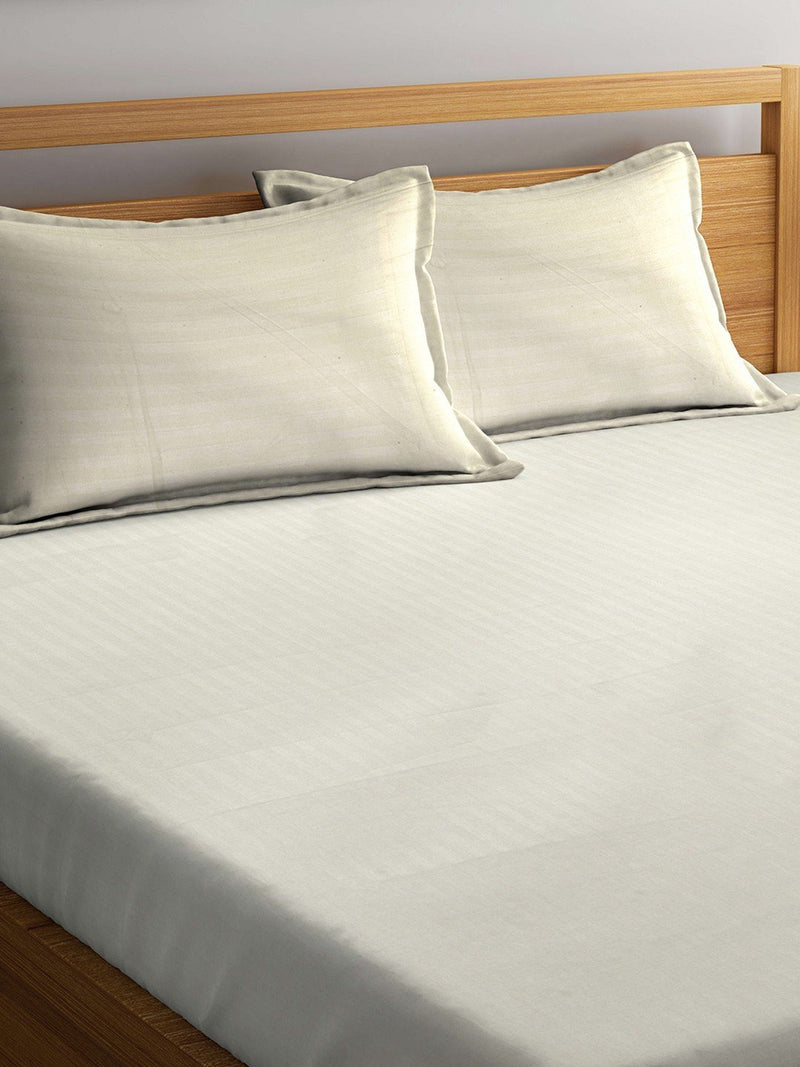 mafatlal-cream-color-cotton-220-tc-double-bed-sheet-with-2-pillow-covers-HFBSSRDLIVCREM