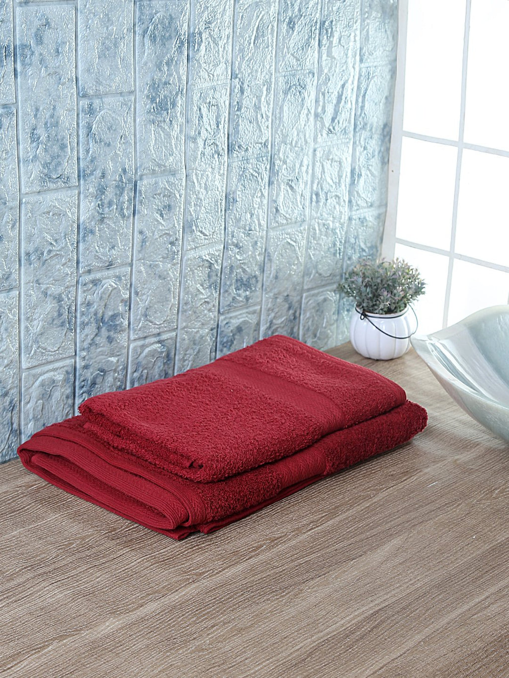 Set of 2 His & Her Maroon Cotton 450 GSM Bath Towel Set