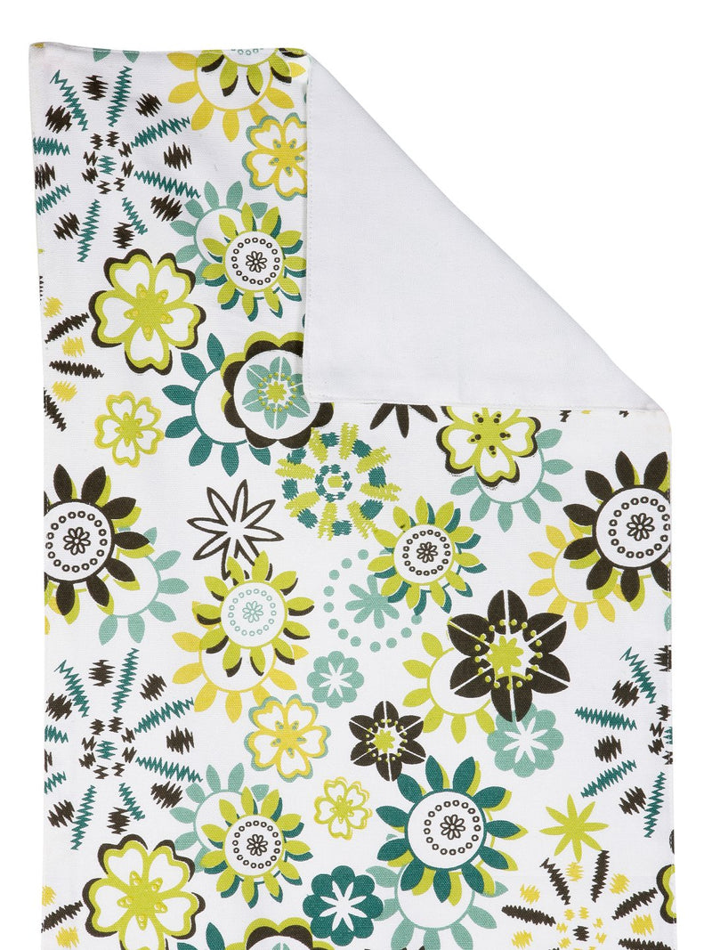 Handcrafted Flair Oasis Table Runner