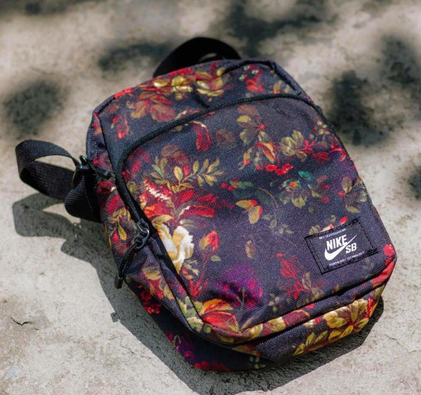 2d4d87ee7b6c The Nike SB Heritage Shoulder bag is the accessory that creates convenience  for yourself. The bag keeps essentials close at hand with multiple pockets  and a ...