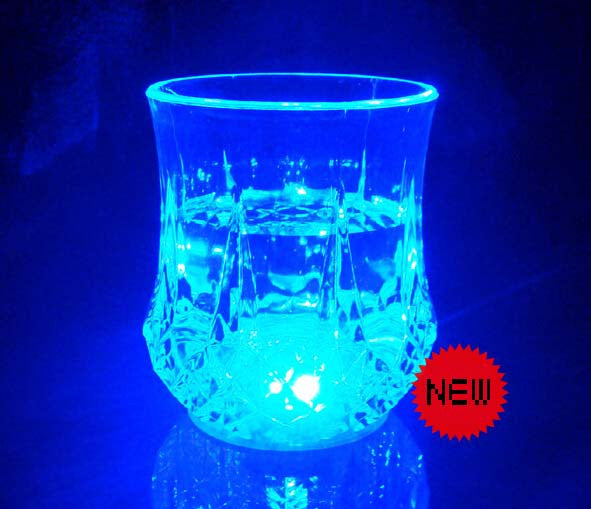 The new water bright luminous cup water induction colorful flash cup 200ML
