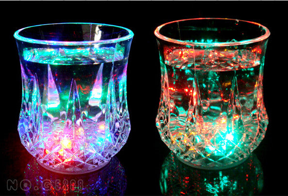 The new water bright luminous cup water induction colorful flash cup 200ML - Feedfend - fistcase