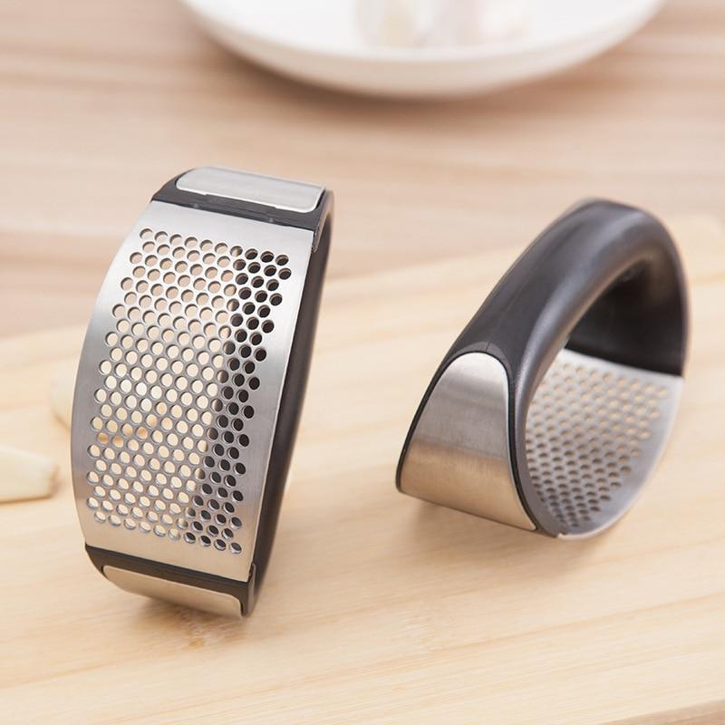 Easy Garlic Press & Grinder - Feedfend - fistcase