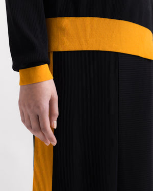 Ribbed asymmetrical skirt