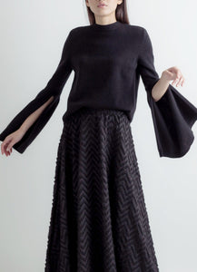 Open bell sleeves sweater