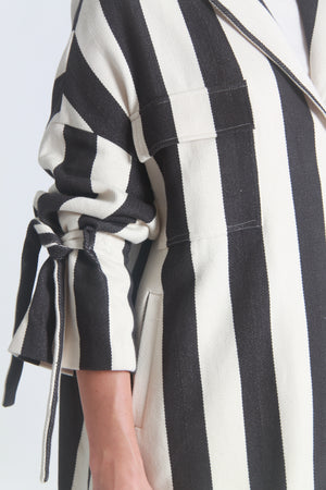 Oversized tie-sleeves striped coat
