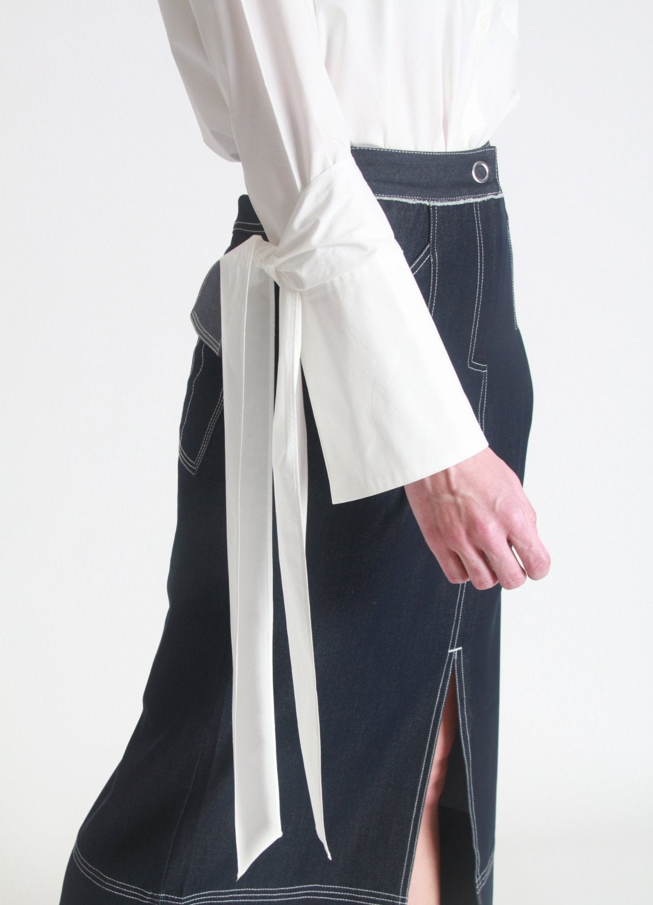 Oversized tie sleeve shirt