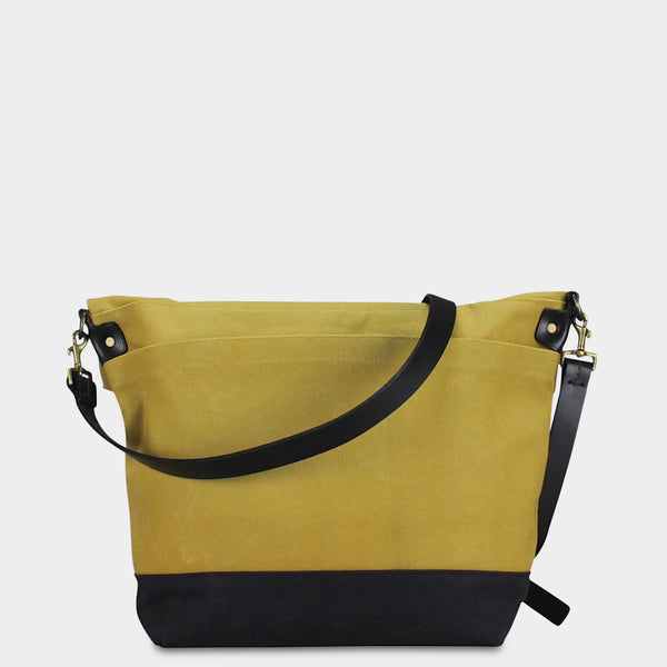 LARGE MESSENGER BAG - Mustard/Black