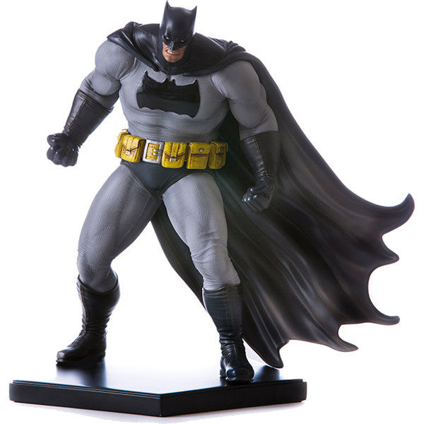 Batman Dark Knight (DLC Series) - Batman: Arkham Knight - Art Scale 1/10 Statue - Iron Studios - Woozy Moo