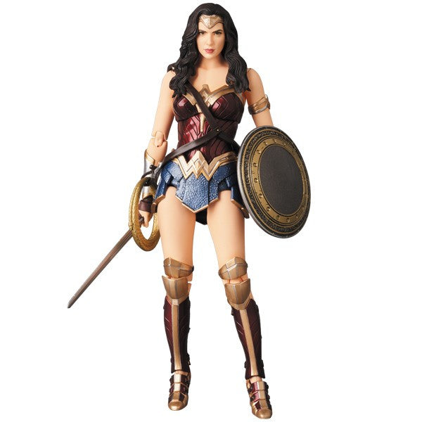 Wonder Woman (Gal Gadot as Diana Prince) | Justice League (DC Extended Universe / DCEU) | MAFEX No. 060 (Miracle Action Figure EX) | Medicom | Woozy Moo