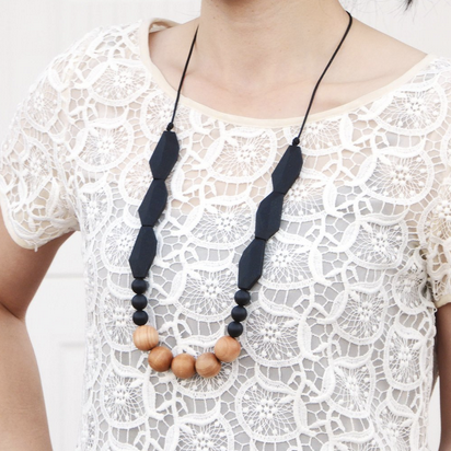Joan Wood + Silicone Teething Necklace - Midnight Black