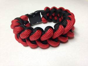 Red & Black Shark Tooth Paracord Bracelet by Stockstill Outdoor Supply