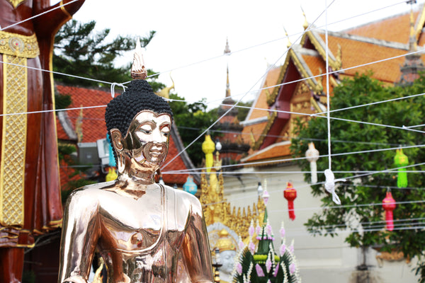 Pueblo Jewelry - Wat Phra That Doi Suthep Courtyard - Pueblo Travels