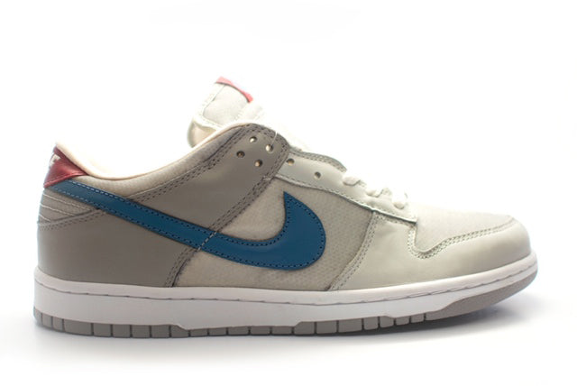 Nike Dunk Low Silver Surfer
