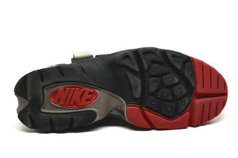 Nike Air Carnivore Black/White/India Red/Lt Taupe