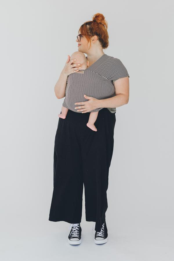 Chekoh for the best in babywearing and baby carriers made with Bamboo our stretchy baby wrap carrier in Black Stripe best for newborn baby or up to 8-10kgs helps to settle your baby and carry them close for a daytime sleep and keep you handsfree Australia