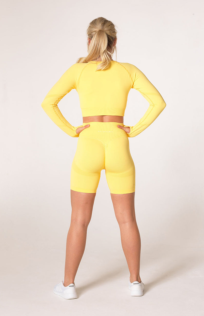 Define Seamless Scrunch Shorts + Crop Long Sleeve - Lemon