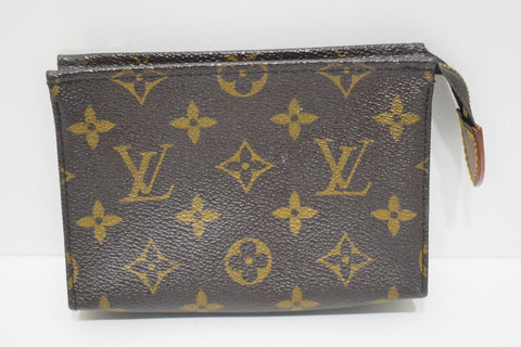 Louis Vuitton, Trousse Poche Toilette 15, en toile monogram