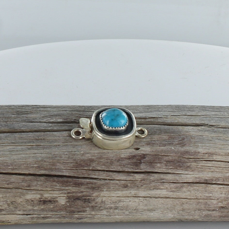 VALLEY BLUE TURQUOISE Clasp 9.7mm Cushion - New World Gems - 1