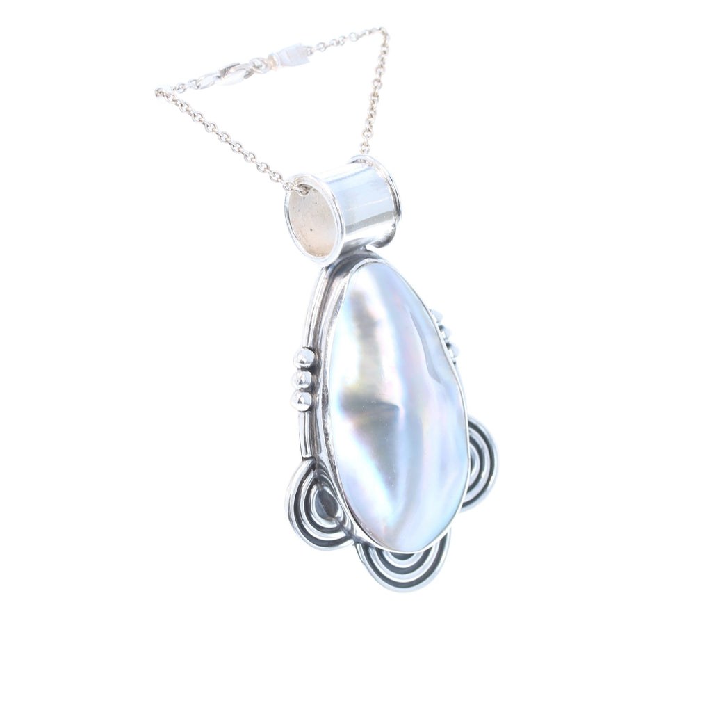 MABE PEARL Pendant Large Oval Necklace Spiral Design