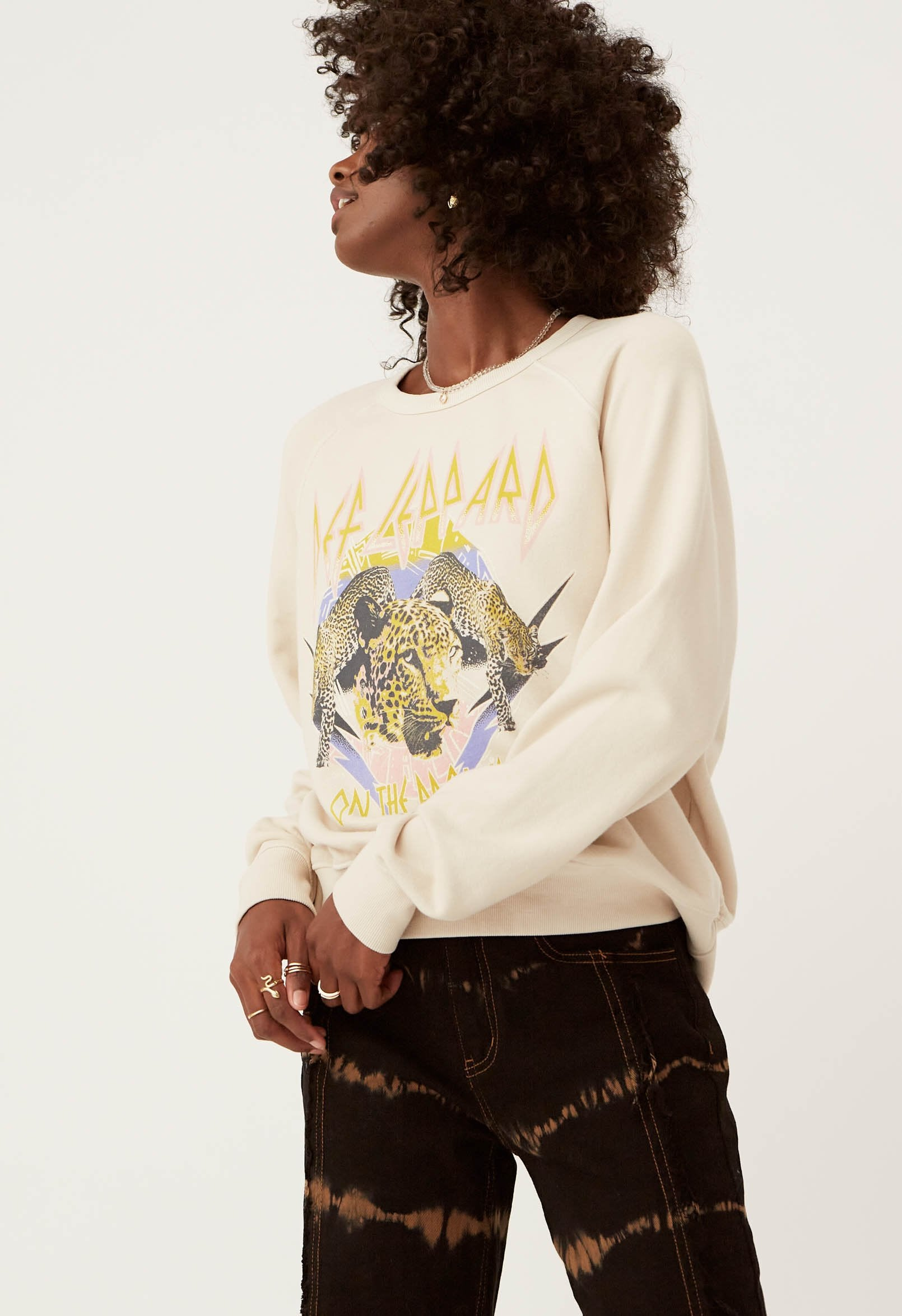 DAYDREAMER DEF LEPPARD ON THE PROWL VARSITY CREW SWEATSHIRT S377DEF706